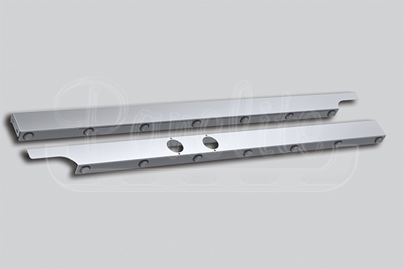 CAB PANELS – 579 LONG HOOD & 567 SET-BACK AXLE WITH UNDERBODY EXHAUST image