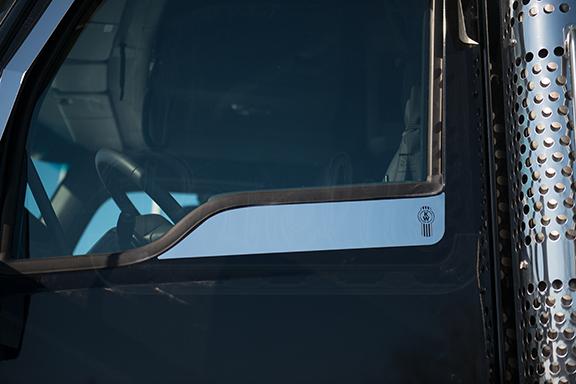 DOOR WINDOW ACCENT – KENWORTH W990 image